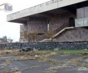 Կոմերցիոն, Կոտայք, Եղվարդ