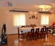 Особняк, 3 этажей, Ереван, Малатиа-Себастиа
