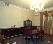 Առանձնատուն, 3 հարկանի, Երևան, Կենտրոն