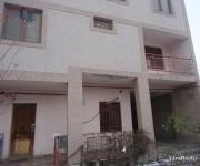 Առանձնատուն, 2.5 հարկանի, Երևան, Էրեբունի