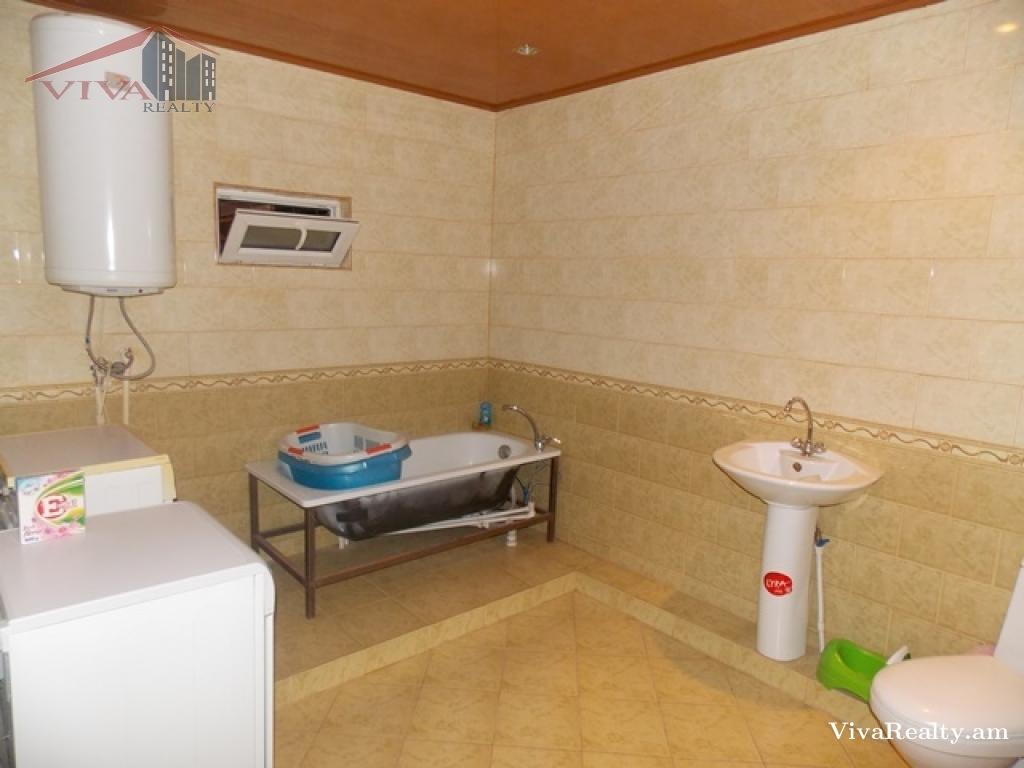 House 2 floors yerevan avan for 14 floor hotel yerevan