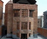 House, 3 floors, Yerevan, Arabkir