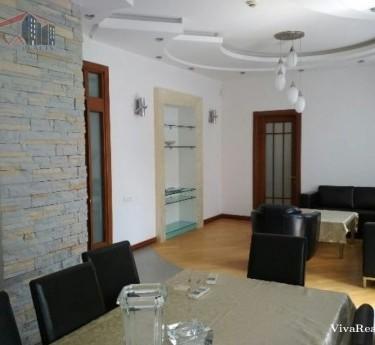 Բնակարան, 4 սենյականոց, Երևան, Կենտրոն - 1