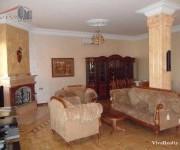Առանձնատուն, 4 հարկանի, Երևան, Կենտրոն