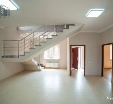 House, 3 floors, Yerevan, Avan - 1