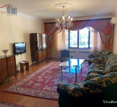 Квартирa, 4 комнат, Ереван, Центр - 1
